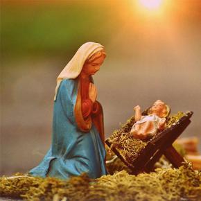 Auguri di Natale di don Corrado e don Francesco